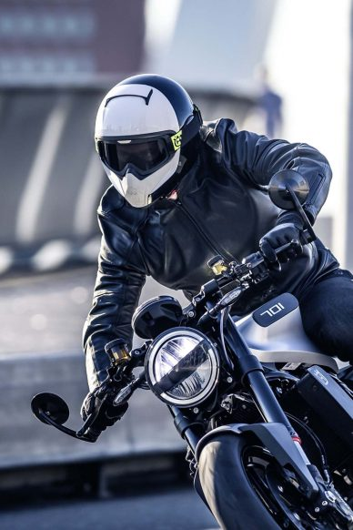 2018 Husqvarna Vitpilen on the road