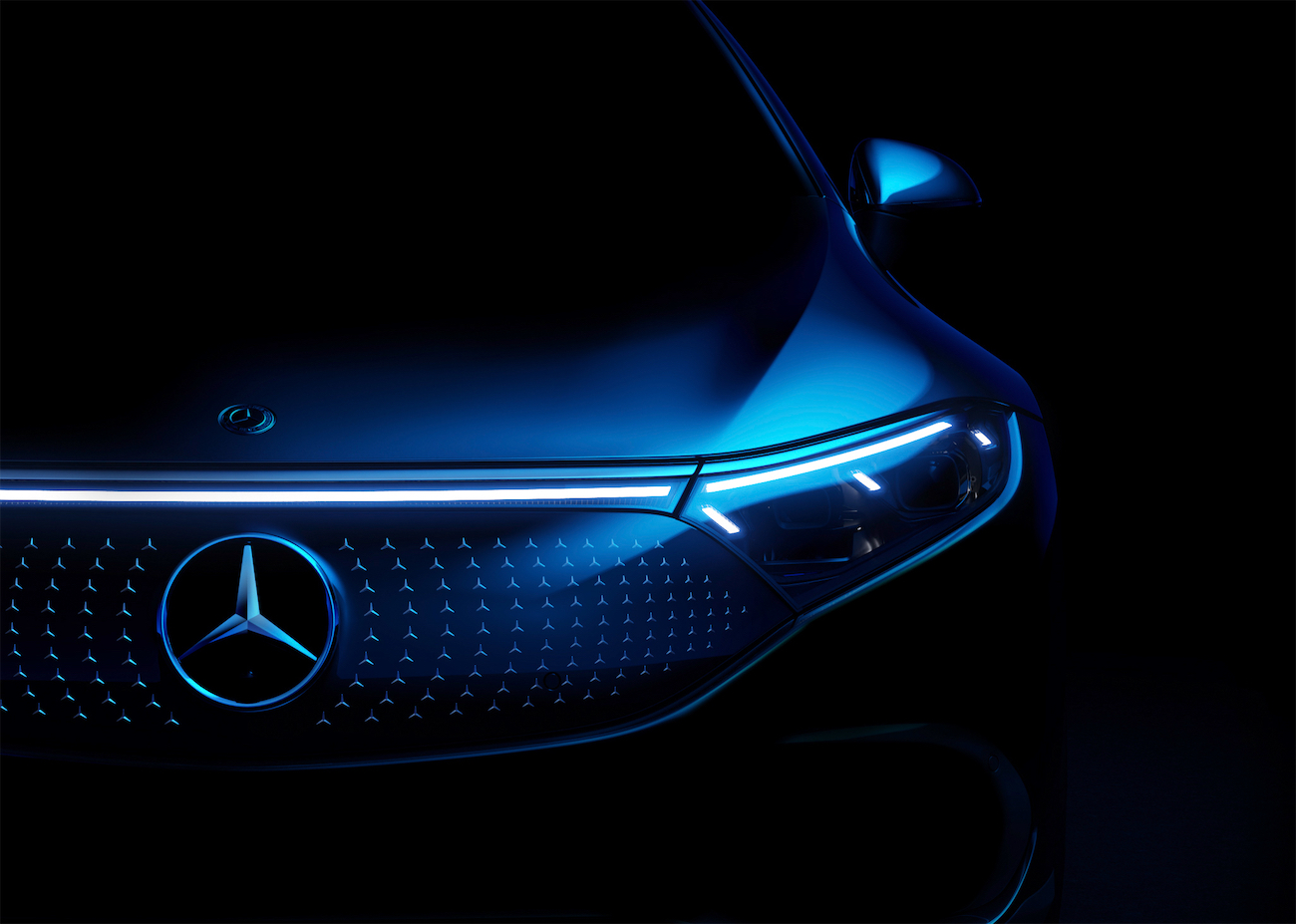 2021 Mercedes-Benz EQS leManoosh industrial design blog and online courses