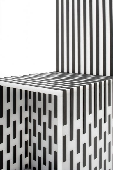 Nendo Chair black and white