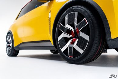 Renault R5 Concept Car, Studio shoot Jpog leManoosh industrial design blog and online courses