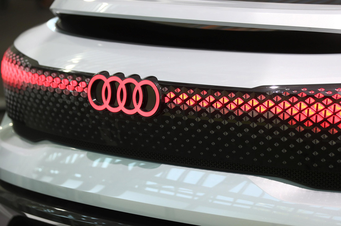 audi q7 led rear light