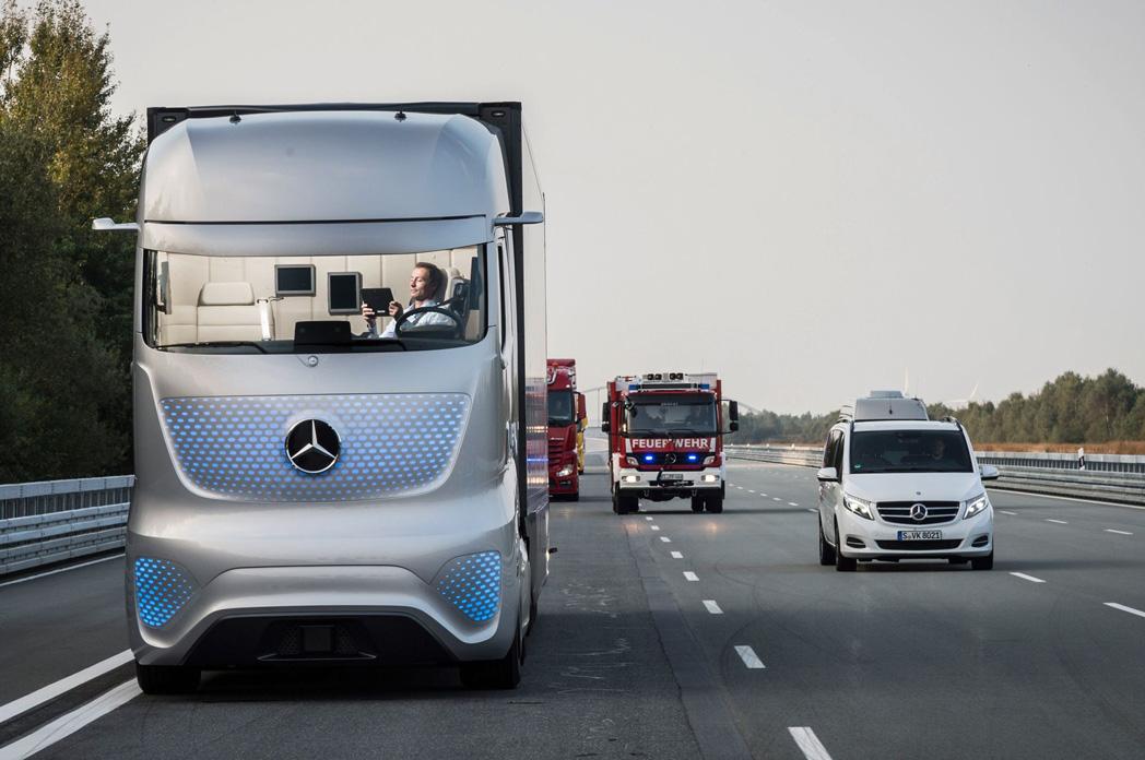 Pictures Of Future Trucks: LeManoosh