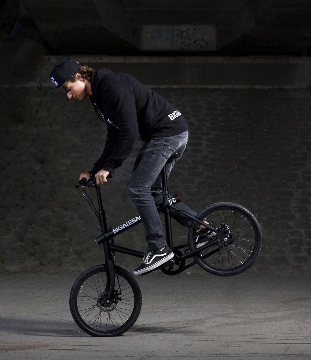 vanmoof electric bicycle